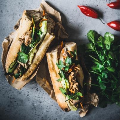 Sandwich au lapin façon Banh mi Photo : © Megandcook