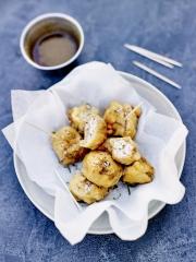 Beignets de cervelle d'agneau, sauce vinaigrée aux épices Photo : © INTERBEV / Produits Tripiers / JC Amiel