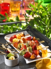 Brochettes de fruits grill閟 Photo : � Weber