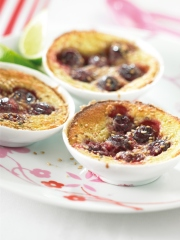 Clafoutis Photo : © Y. Bagros - Cerise de France