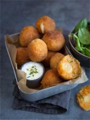Croquettes de patate douce à la Raclette Photo : © Stéphanie Iguna @Geekandfood