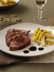 Recette Magret de canard, sauce poivre de sichuan et balsamique, céleri et pomme glacée