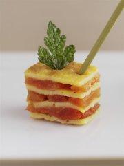 Recette Mille-feuilles d'omelette au péquillos