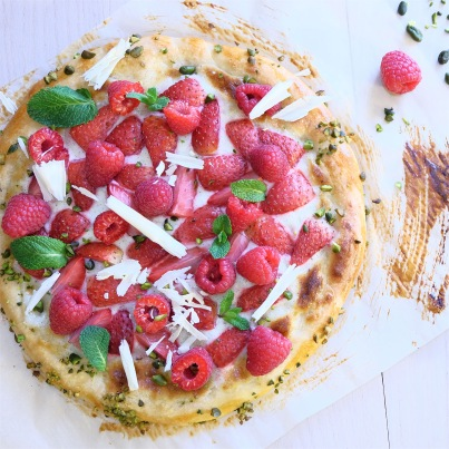 Pizza dessert, vanille, fruits rouges Photo : © Herta