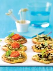 Recette Minis pizzas à la tomme de chèvre, tomates cerises et pesto