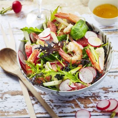 Salade de Crevettes aux Radis, Pamplemousse, Pomme, Jeunes Pousses et Coriandre Photo : © Amélie Roche / Brasseurs de France