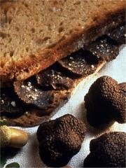 Sandwich tiède à la truffe fraîche et beurre salé
