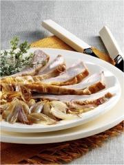 Recette Selle d'agneau rôtie, Echalotes Traditionnelles poêlées au beurre demi-sel